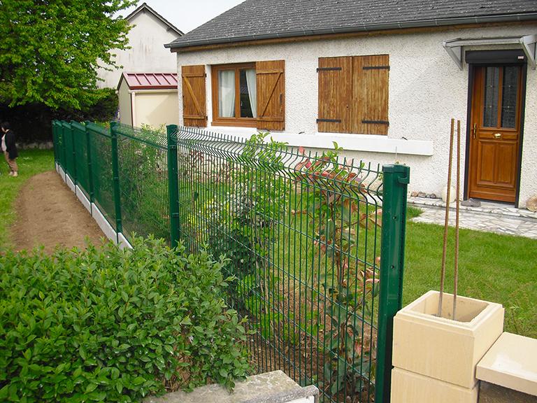 Pose de clôture Montargis Amilly : une prestation adaptée à vos besoins