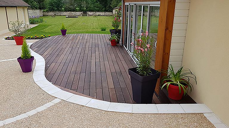 Pose terrasse bois Montargis Amilly : l'expertise Sauvegrain