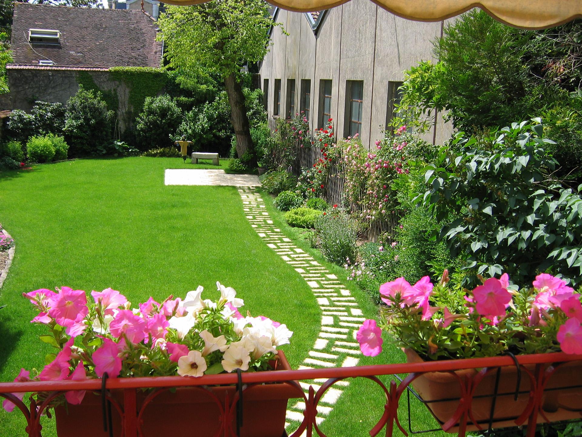 Entreprise entretien jardin montargis amilly sauvegrain for Entreprise entretien jardin 974